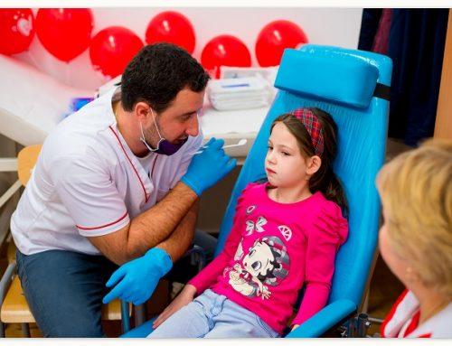 Consultații stomatologice gratuite oferite de Colgate și Crucea Roșie în 5 orașe din România